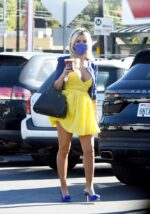 Holly Madison Cleavage 15